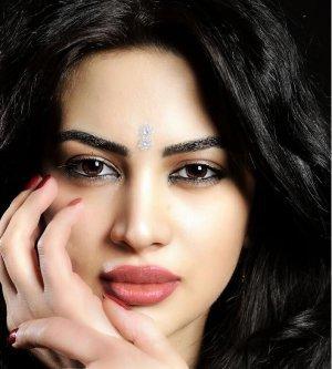 Model Elliya C