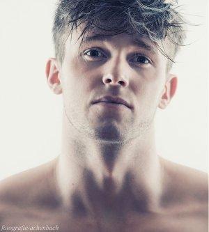 Model Kevin N