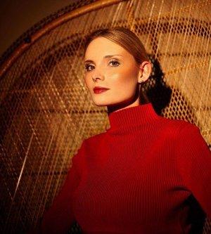 Model Lisa E