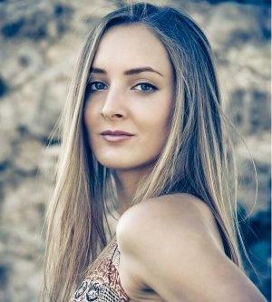 Model Isabel H