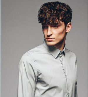 Model Benjamin C