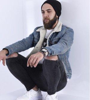 Model Yusuf Ziya K