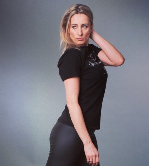 Model Anna H