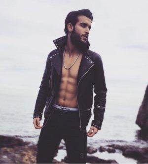 Model Ibrahim Ö