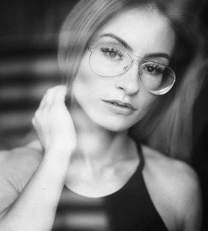Model Nina N