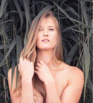 Model Vanessa Sc7