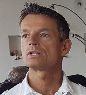 Model Andreas R