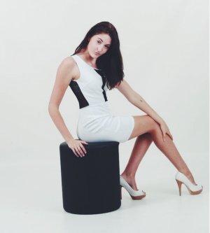 Model Julia J