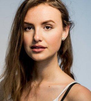 Model Alina S