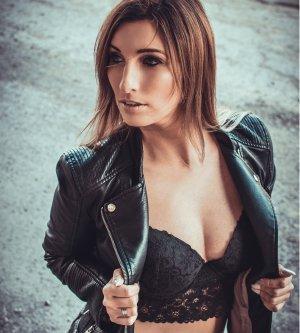 Model Claudia Hi7