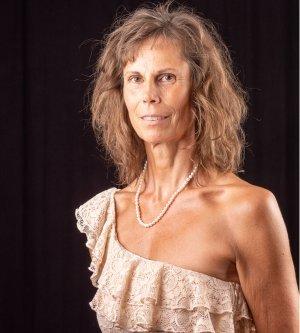 Model Chrissie B