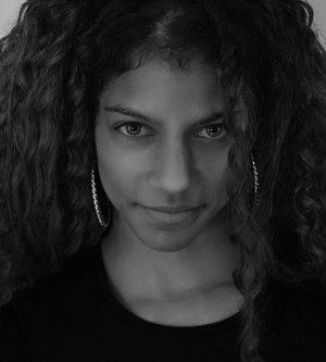 Model Sandra A
