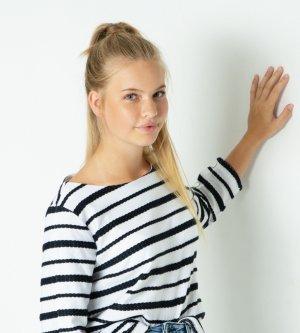 Model Michèle L