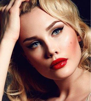 Model Angelina A