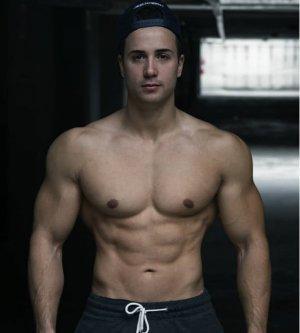 Model Giuseppe T