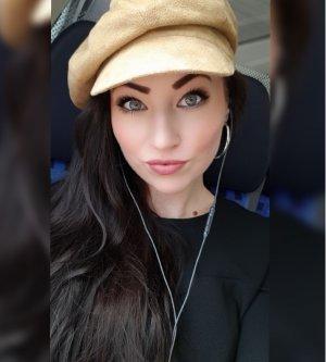 Model Lisa D