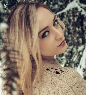 Model Daniela Hr7