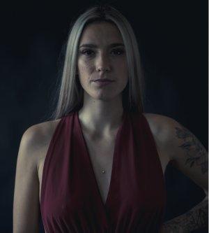 Model Jana R