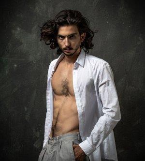 Model Mahdi S