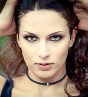 Model Annick B