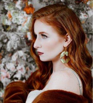Model Julia F
