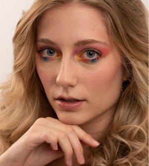 Model Alissa Nastasia W