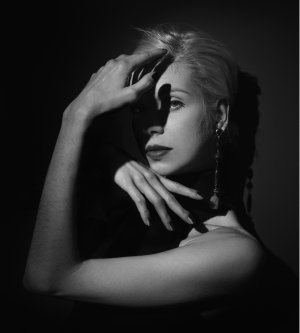 Model Alexandra F