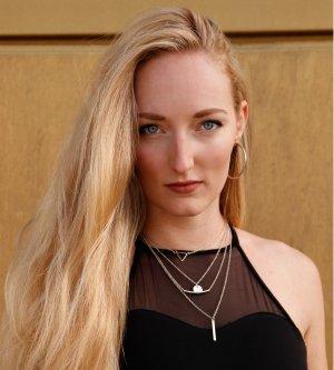 Model Karin P